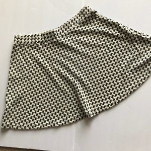 2/$10  Rue 21 Black & White Puzzle Print Skirt